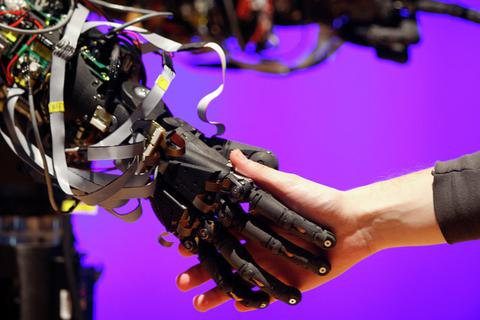 Hậu quả thảm khốc cho nhân loại sẽ xảy ra nếu AI được sử dụng trong quân sự