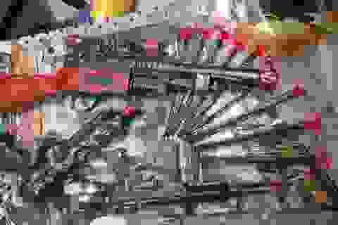 Quảng Bình: Bắt giữ xe container chở hàng chục ngàn khẩu súng đồ chơi thuộc danh mục cấm