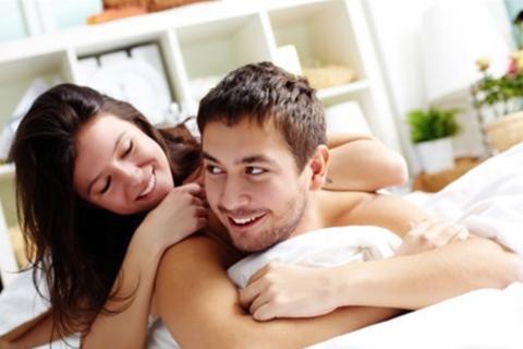 """Vợ lộn ruột vì chồng yếu sinh lý nhưng chém gió khoe khỏe """"như đúng rồi"""""""