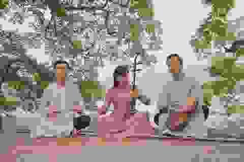 Nhạc sĩ Quang Long kết hợp xẩm với quan họ trong MV Tết