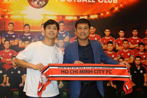 Công Phượng ra mắt CLB bóng đá TPHCM