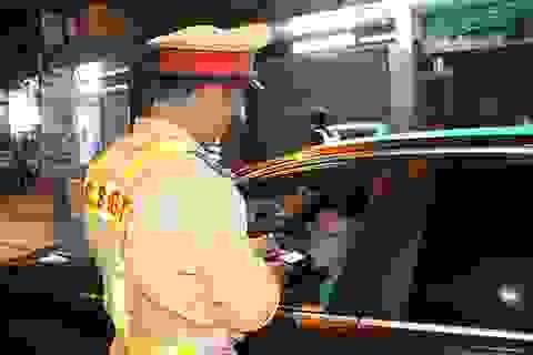 Hà Tĩnh: Tài xế vi phạm nồng độ cồn rải rác, quán hàng vẫn đông khách