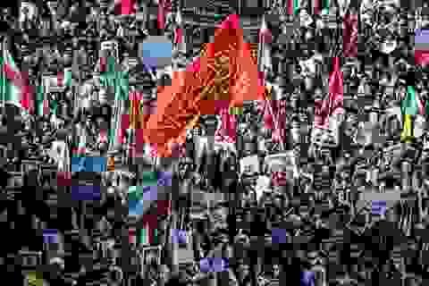 Giẫm đạp trong đám tang tướng Iran, 35 người chết