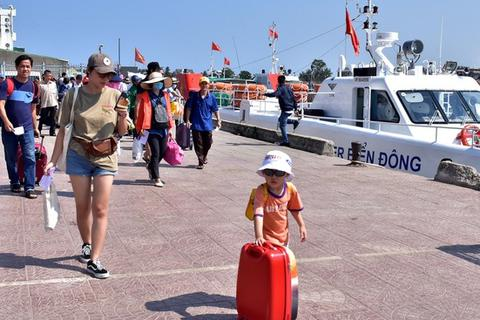 Sẵn sàng phương án đưa người dân về đảo Lý Sơn đón Tết