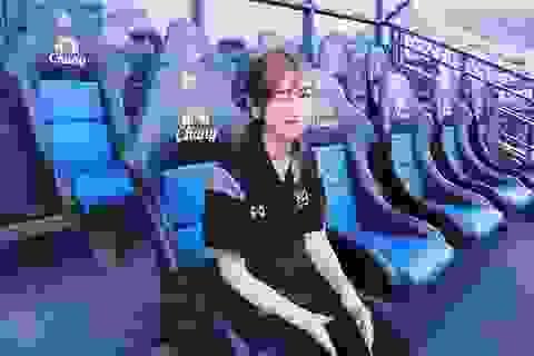 Nhan sắc đẹp tuyệt trần của nữ dẫn đoàn U23 Việt Nam
