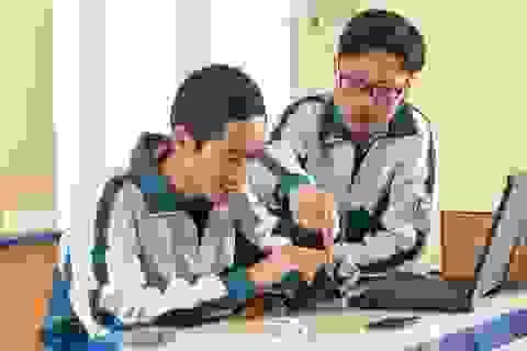 Thiết bị cảnh báo trẻ em bị bỏ quên trên ô tô của hai học sinh Quảng Ninh
