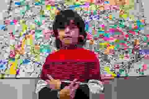 Thần đồng hội họa 7 tuổi bán tranh giá hàng trăm triệu đồng