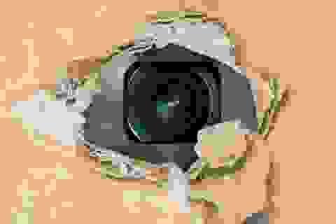 Những biện pháp giúp phát hiện camera quay lén giấu trong phòng khách sạn