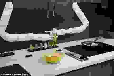 Xem robot trổ tài nấu ăn như người thật