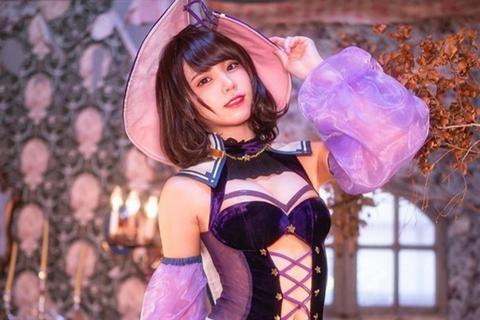 Cosplayer xinh đẹp Nhật Bản kiếm 2 tỷ đồng mỗi ngày, ai cũng ngỡ ngàng