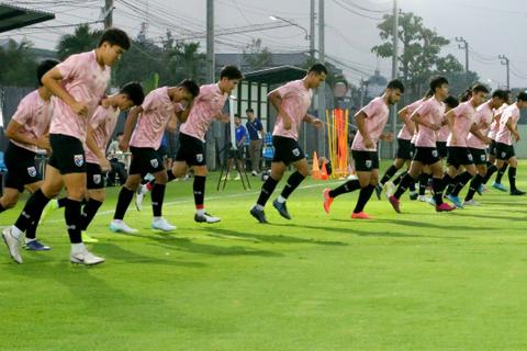"""""""Thần đồng"""" Suphanat tập luyện trở lại ngay trước trận U23 Thái Lan gặp U23 Iraq"""