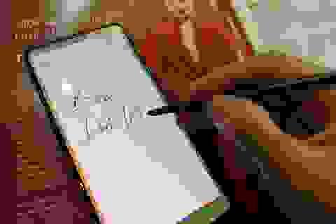 Trên tay Samsung Galaxy Note 10 Lite mới ra mắt tại Việt Nam