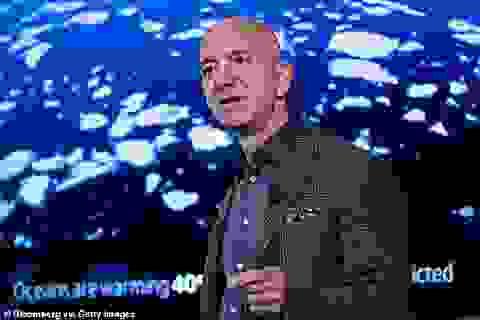 Ông chủ Amazon bị chỉ trích vì từ thiện bằng số tiền kiếm trong 5 phút