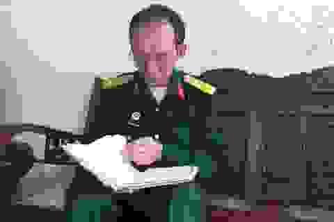 """Những bước chân """"không mỏi"""" của người cựu binh trên hành trình tìm mộ đồng đội"""