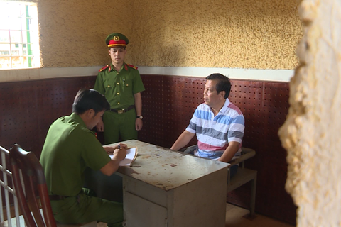 """Đề nghị truy tố 21 bị can trong đường dây xăng giả của """"đại gia"""" Trịnh Sướng"""