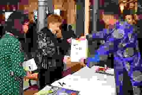 Phó Chủ tịch Quốc hội Đức vui mừng dự Tết cổ truyền của người Việt