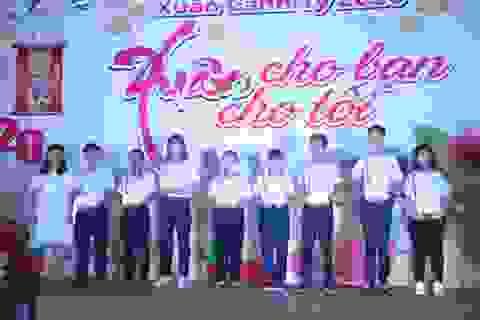 Trưởng tổ chức văn nghệ mừng Xuân gây quỹ giúp học sinh nghèo