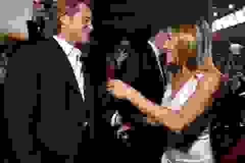Jennifer Aniston thân thiết tái ngộ Brad Pitt