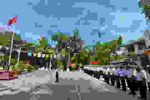 Thiêng liêng lễ chào cờ đầu năm mới tại Trường Sa