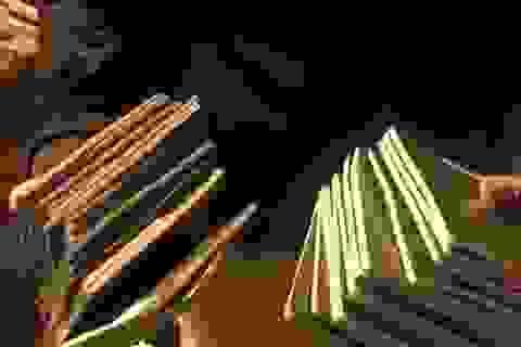 Bới rác tìm được 29 cuốn hộ chiếu của đoàn khách chuẩn bị xuất ngoại du xuân