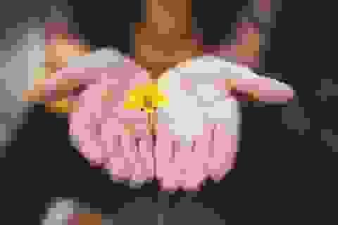 Với người trầm cảm, hãy gần gũi yêu thương thật nhiều