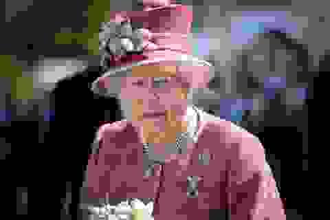 """Nữ hoàng Elizabeth """"bật đèn xanh"""" cho Brexit, rút Anh khỏi EU"""