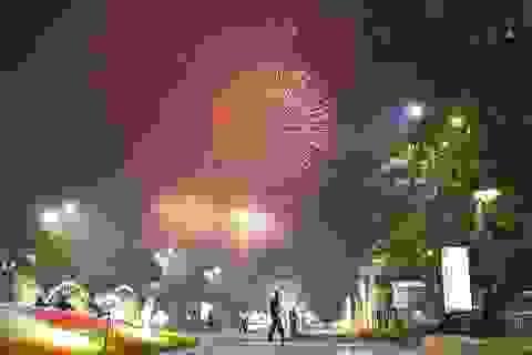 Màn pháo hoa rực rỡ trên bầu trời Sài Gòn