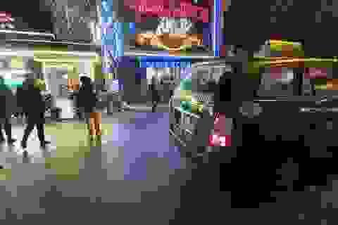 Đi 7 km trả 300 nghìn vẫn không gọi được taxi ngày Tết