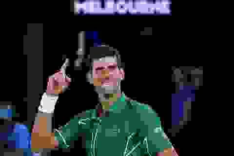 Australian Open:  Đánh bại Federer, Djokovic tiến vào chung kết