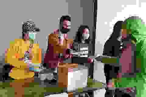 Bưu điện Việt Nam tạm dừng chuyển khẩu trang, nước sát trùng ra nước ngoài