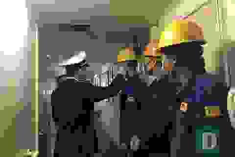 Ngăn chặn nhập bờ 26 thuyền viên Trung Quốc vừa cập cảng Quảng Bình