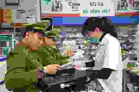 Xử phạt một loạt nhà thuốc tăng giá khẩu trang, găm hàng không chịu bán