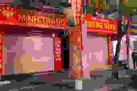 Kỳ lạ: Chủ tiệm vàng đóng cửa ngủ kỹ ngày vía Thần Tài