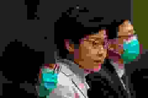 Lãnh đạo Hong Kong kêu gọi quan chức để dành khẩu trang cho đội ngũ y tế