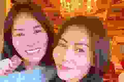 Chị gái Việt kiều hơn 8 tuổi trẻ như sinh đôi với Thu Minh