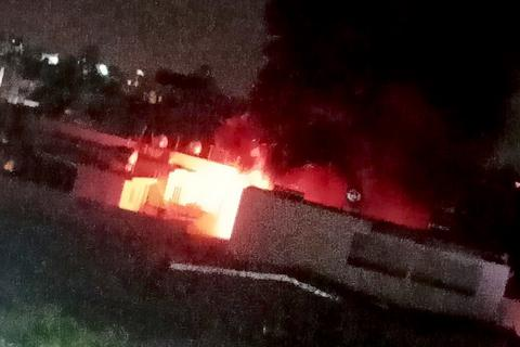 Cháy lớn tại căn nhà chứa 6 tấn vải vụn
