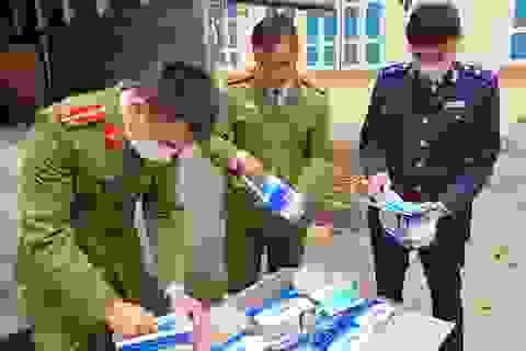 Thu giữ gần 62.000 chiếc khẩu trang chuẩn bị xuất lậu sang Trung Quốc