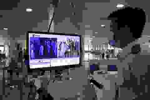 Một ngày, hàng trăm người Trung Quốc đến Tân Sơn Nhất từ nước trung gian