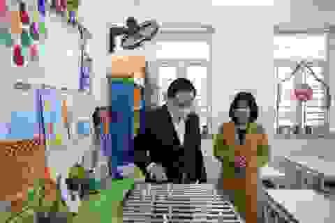 Bộ trưởng Phùng Xuân Nhạ kiểm tra phòng dịch virus corona tại trường học