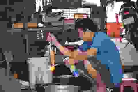 """Nhiều tiểu thương chợ động vật hoang dã đóng quầy """"né"""" đoàn kiểm tra"""
