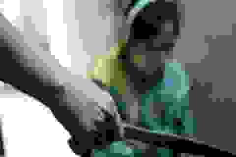 Hà Nội: Nữ giáo viên mầm non thoát chết dưới lưỡi dao của chồng
