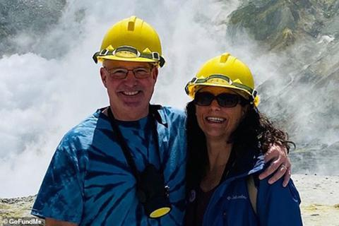 Tấm ảnh du khách Mỹ chụp trước thảm hoạ núi lửa