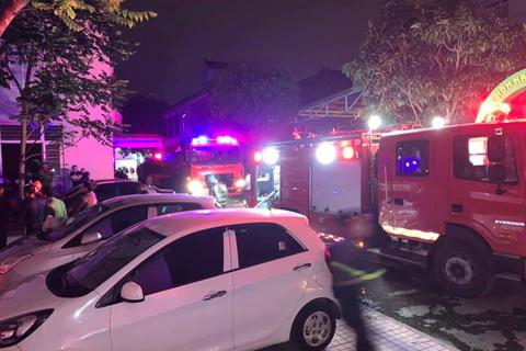 Giải cứu 7 người thoát khỏi đám cháy tại khu nhà ở sinh viên