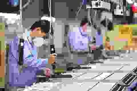 Người dân Trung Quốc trở lại làm việc trong thận trọng