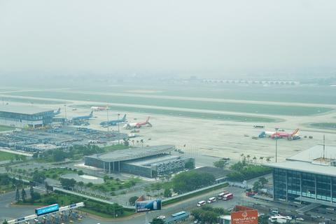 Máy bay không thể hạ cánh xuống Nội Bài vì sương mù dày đặc