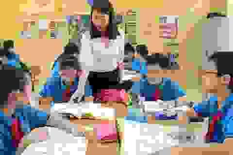 Giáo viên tiểu học có được xếp lương theo bằng cấp?