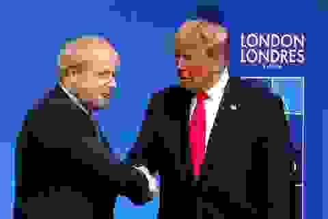 Thủ tướng Anh hoãn thăm Mỹ sau cuộc điện đàm gay gắt với ông Trump?