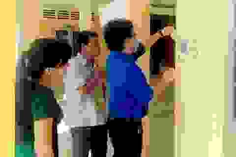 Trường ĐH Trà Vinh điều chế 2.500 lít rửa tay sát khuẩn phục vụ HS, SV