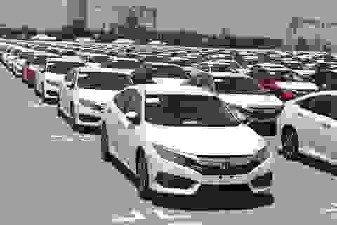"""Lượng xe nhập """"lao dốc"""" trong tháng 4, cảnh báo giá có thể tăng"""