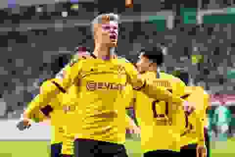 """""""Hiện tượng"""" Haaland không thể ngừng ghi bàn cho Dortmund"""